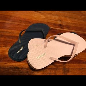 NEW. Violet Old Navy & Navy colored (EUC) Flops
